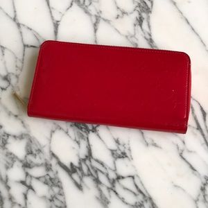 Red Vernis Leather Louis Vuitton Zippy Wallet
